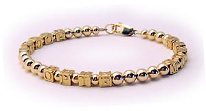 Gold Mothers Bracleet